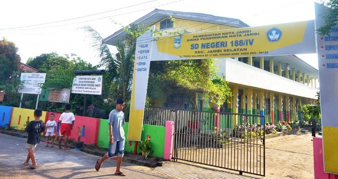 DI Kota Jambi ada 23 SDN yang akan demerger karena kekurangan siswa. Salah satunya SDN 188/IV, Kecamatan Jambi Selatan. Foto : M Ridwan / Jambi Ekspres