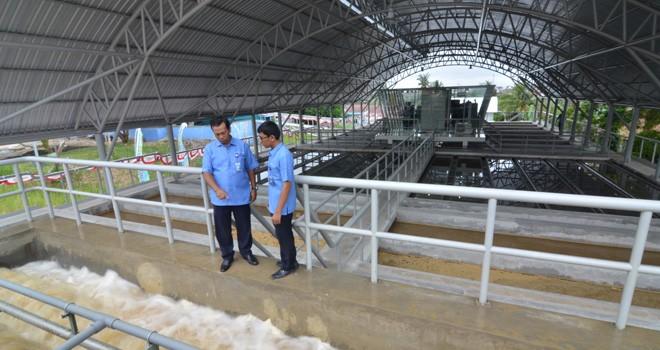 Air diolah di Instalasi Pengoalahn Air (IPA) Broni PDAM Tirta Mayang Kota Jambi dengan kafasitas 600 liter per detik, pertama di Indonesia. Foto diambil beberapa waktu lalu. Foto : M Ridwan / Jambi Ekspres