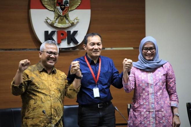 Komisi Pemberantasan Korupsi (KPK) bersama KPU. Foto : Ist