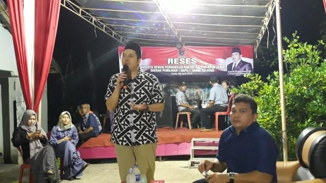 Reses Bersama Anggota DPRD Kota Jambi, Ihsan Yunus Tanggapi Keluhan Warga. Foto : Ist