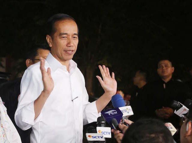 Presiden yang juga capres nomor urut 01, Joko Widodo (Jokowi) bereaksi terkait adanya kabar viral soal surat suara yang sudah tercoblos di Malaysia. (Issak/JawaPos.com)