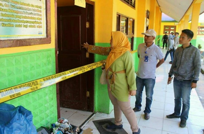 SD Negri No 063/XI Desa Koto Padang yang sudah dipasang Police Line. Foto : Gusnadi / Jambiupdate