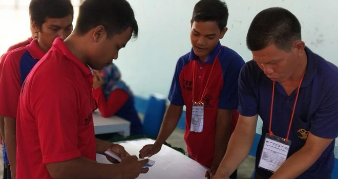 Warga Binaan Lembaga Pemasyarakatan Kelas II A Jambi mengikuti simulasi Pemilihan Umum Pemilu 2019.
