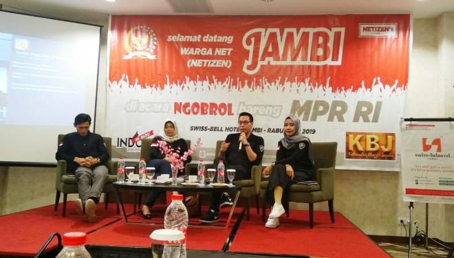 Acara ngobrol bareng MPR RI di Hotel Swiss-Bell Jambi, (1/5). Foto : Iwan Kurniawan / Jambiupdate