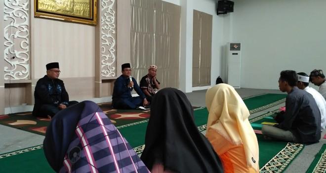 Wawako Maulana saat mengisi Materi Pesantren Terpadu. Foto : ist