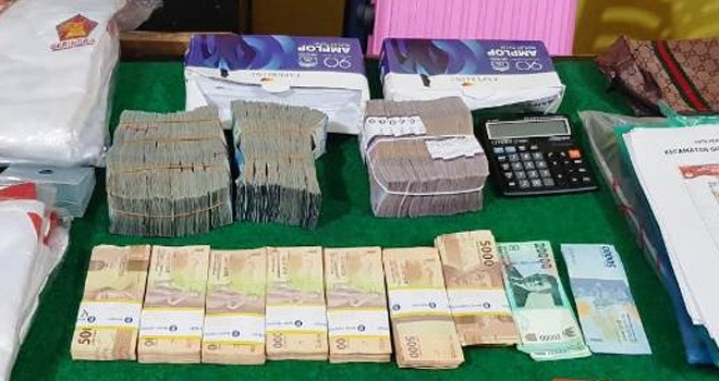 Barang bukti dugaan politik uang yang ditangkap tangan oleh tim Sentra Gakkumdu Kota Sungai Penuh beberapa waktu lalu. Foto : Ist
