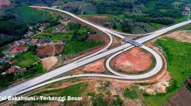 Jalan Tol Trans Sumatera (JTTS) Ruas Bakauheni-Terbanggi Besar.
