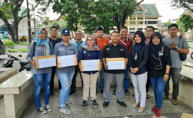 IJPJmelakukan aksi penggalangan dana peduli Pangkal Duri, di Simpang Empat Bank Indonesia (BI) ,Telanaipura, Kota Jambi pada Jumat (17/5).