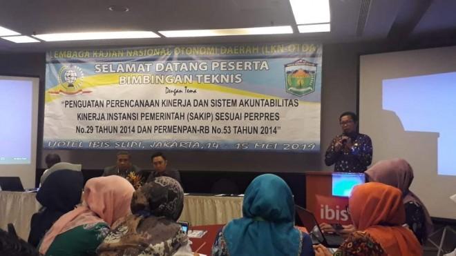 Sekda Munasri Buka Bimtek Perencanaan dan Sakip SKPD. Foto : Gusnadi / Jambiupdate
