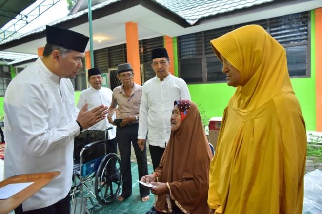 Wali Kota Fasha Buka Puasa Bersama Penyandang Masalah Sosial dan Pendamping PKH.