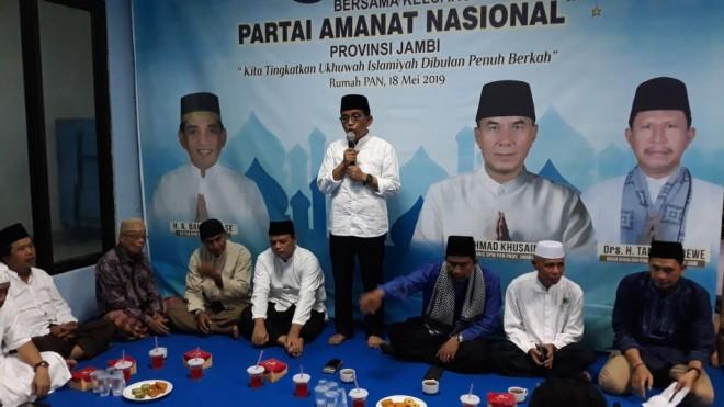 H Bakri saat Buka Puasa Bersama DPW PAN Jambi.
