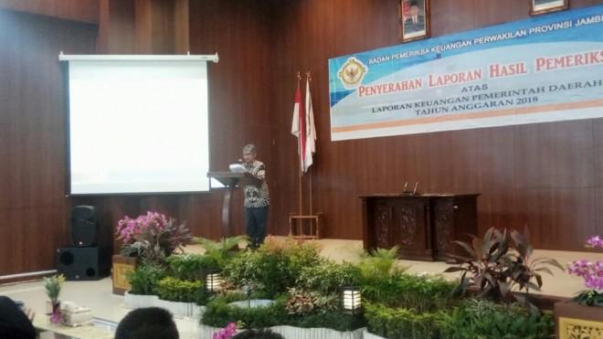 Kepala BPK RI Perwakilan Jambi Heri Ridwan Ketika Mengumumkan Hasil LKPD