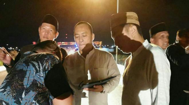 Ketua DPRD saat mantau Lampu Jalan.