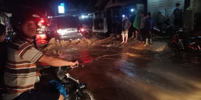 Banjir Bandang di Tanjung Pauh Kerinci. Foto : Gusnadi / Jambiupdate
