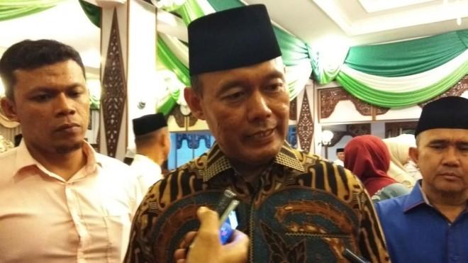 Bupati Tebo Sukandar.