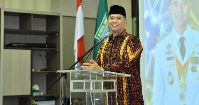 Wali Kota Jambi Dr. H. Syarif Fasha, ME.
