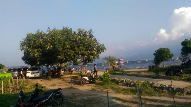 Suasana saat gempa, di tepi pantai Tanjung Tanah danau kerinci.