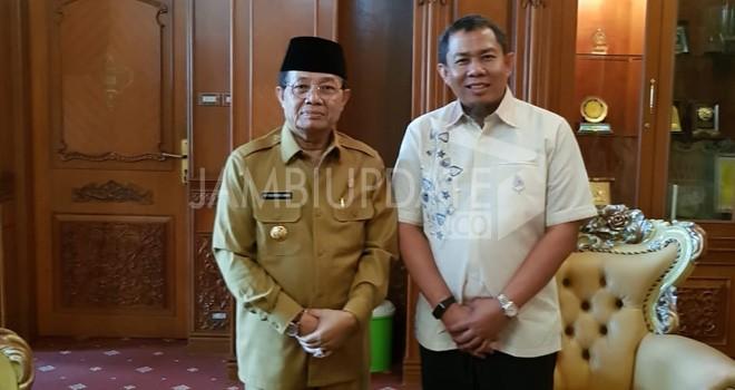 Pertemuan antara H Rahman dan Gubernur Jambi Fachrori Umar di ruangan gubernur Jambi beberapa hari lalu.
