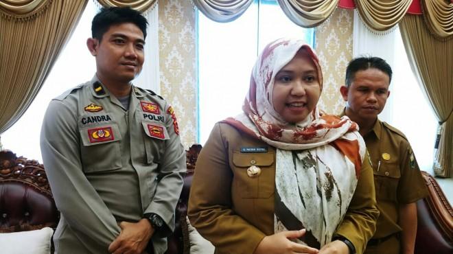 Bupati Masnah saat menyampaikan, kesuksesan kerja sama KPU dan Bawaslu Kabupaten Muaro Jambi.