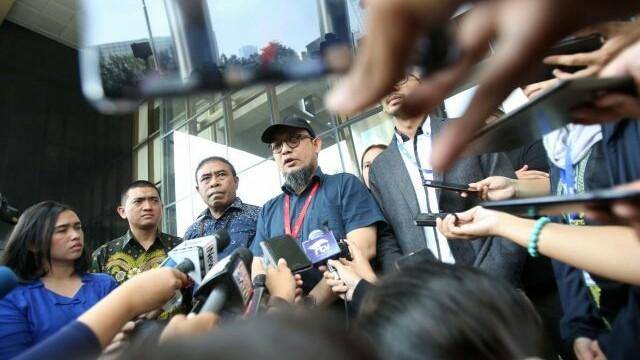 Penyidik senior KPK Novel Baswedan masih menanti titik terang kasus penyiraman air keras yang menimpa dirinya. (MIFTAHULHAYAT/JAWA POS)