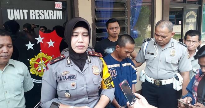 Kapolsek Jambi Selatan, AKP Rita Purnamasari melakukan ekspose hasil tangkapan tersangka pencuri Gas LPG 3 Kg, Teguh Haryanto.