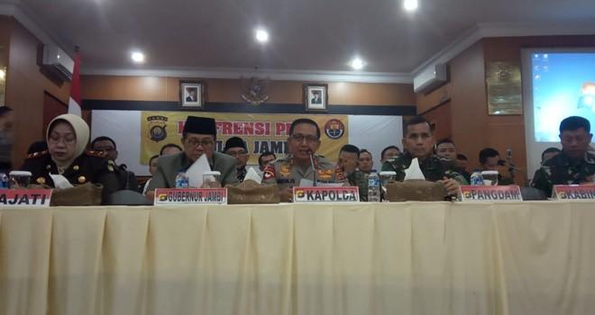 Konferensi Pers Kapolda Jambi.