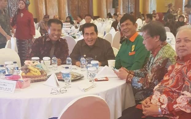 AJB bersama Brigjend Safril Nursal di dampingi Ketua HKKN Jakarta Laksama Pertama Nazali Lempo, Herman Mukhtar dan tokoh lainnya saat acara HKKN di Jakarta Sabtu (20/7)