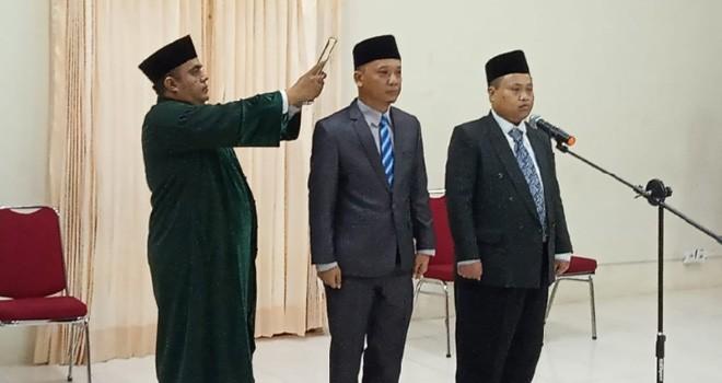 Sekretaris KPU Provinsi Jambi, Khoirul Bahri Lubis, melantik Sekretaris Batanghari dan KPU Sarolangun yang terpilih melalui penjaringan jabatan Eselon III di lingkup KPU.
