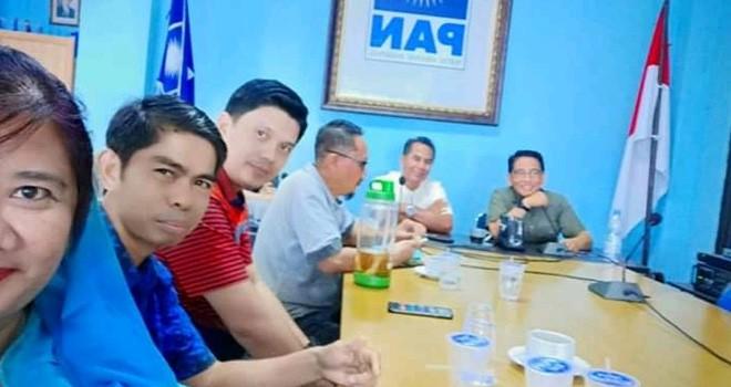 H. Bakri bersama para Pengurus dan kader menggelar pertemuan internal.