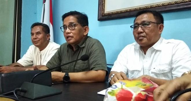 Ketua DPW PAN Provinsi Jambi, H Bakri menanggapi pertanyaan Ketua DPW NasDem Provinsi Jambi, Agus Roni terkait pengusulan Cawagub Jambi.