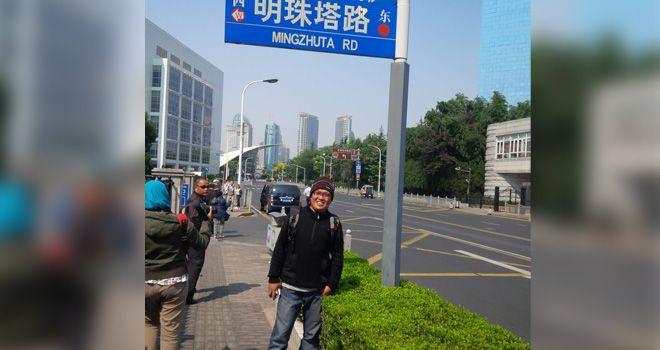 Penulis saat berada di salah satu sudut jalanan di Kota Shanghai, Tiongkok.