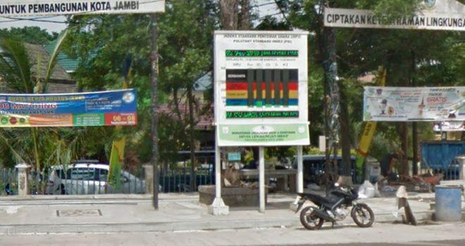 KLHK yang berada di sekitaran Tugu Keris Siginjay (kantor Wali Kota Jambi).