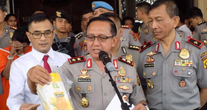 Direktorat Reserse Narkoba Polda Jambi menggagalkan penyelundupan narkotika jenis sabu seberat 2,2 kg serta 1.981 butir ekstasi yang diduga digunakan untuk merayakan Hari Ulang Tahun Republik Indonesia (HUT RI).