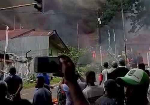 Kerusuhan di Manokwari.