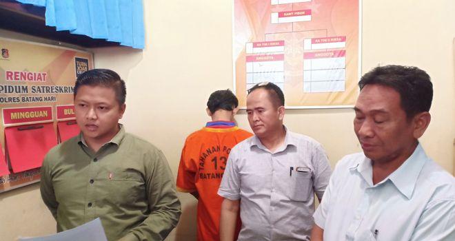 MAF, pelaku pencuri perlengkapan warnet saat diamankan di Polres Batanghari.