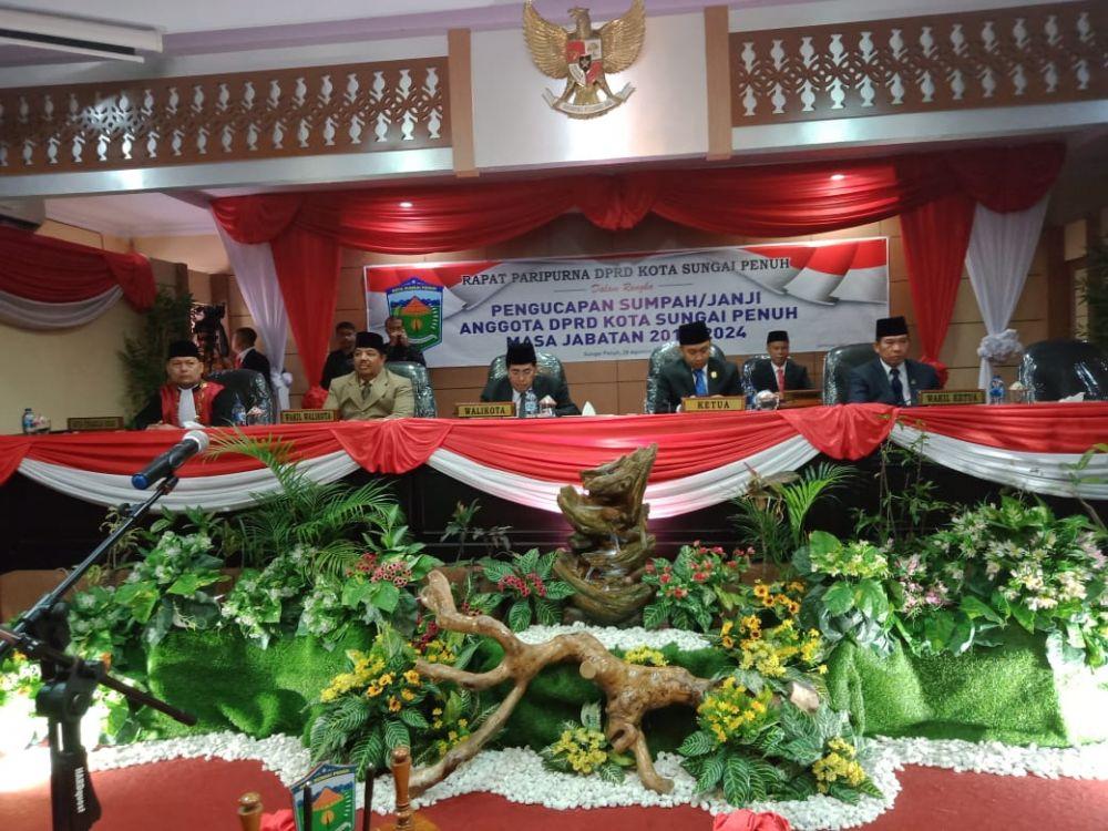 Prosesi pelantikan DPRD Sungai Penuh yang baru saja dimulai (28/8).