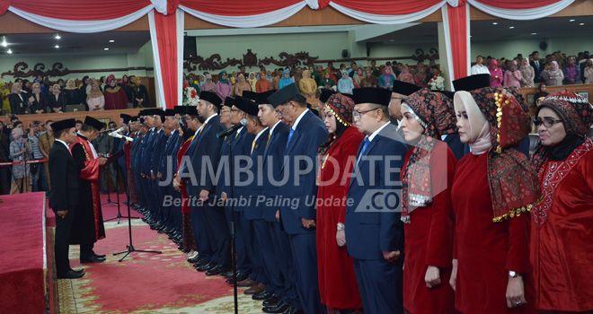 Pelantikan Anggota Dewan Perwakilan Rakyat Daerah (DPRD) Provinsi Jambi periode 2019-2024 kemarin (9/9).