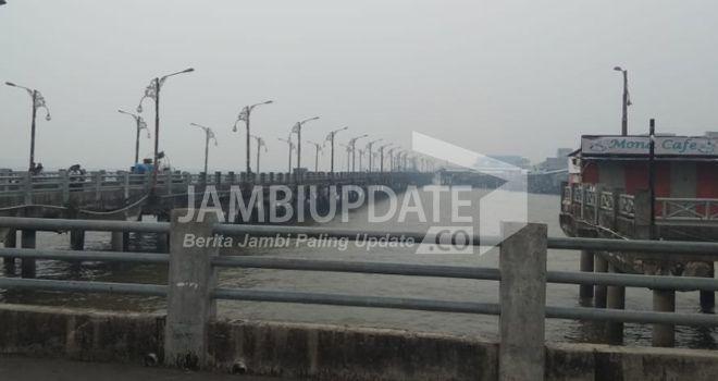 Kabut asap menyelimuti Kota Kuala Tungkal beberapa waktu lalu.