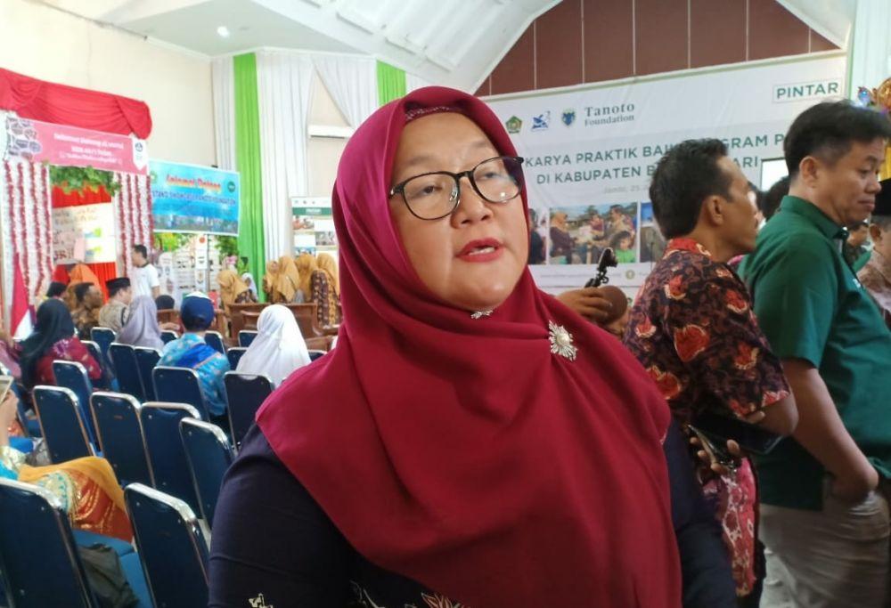 Kepala Dinas Pendidikan dan Kebudayaan (PdK) Kabupaten Batanghari dra. Jamilah.