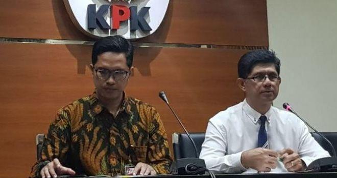 Wakil Ketua KPK Laode M Syarief dalam konferensi pers penetapan tersangka BUMN PT Nindya Karya di gedung KPK, Jumat (13/4/2018)