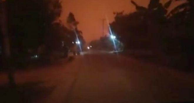 Kondisi Cuaca Memerah Siang Bagaikan Malam di daerah Kumpeh.