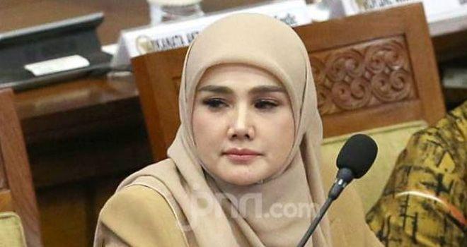 Mulan Jameela termasuk salah satu dari 575 anggota DPR periode 2019-2024.