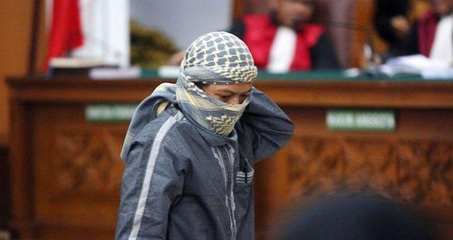 Terdakwa aksi terorisme bom Thamrin sekaligus Pimpinan JAD Aman Abdurrahman saat hadir dalam ruang sidang Pengadilan Negeri Jakarta Selatan.