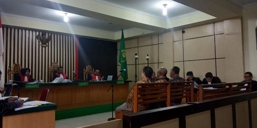 Sidang Asiang Kamis (10/10). Agenda hari ini mendengarkan keterangan saksi-saksi