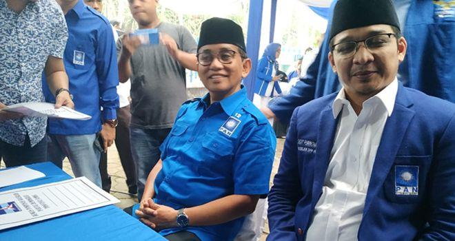 Jika sebelumnya, Bakri hanya di dampingi kader, kali ini Ketua DPW PAN Provinsi Jambi ini memboyong Wakil Walikota Palu, Sigit Purnomo Syamsuddin Said alias Pasha Ungu.