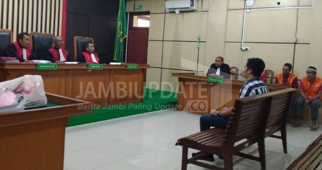 Terdakwa kasus penyeludupan sabu asal Aceh menjalani sidang di Pengadilan Negri Jambi dengan agenda mendengarkan keterangan saksi.