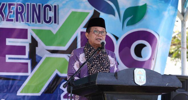 Fachrori saat Menutup Festival Kerinci 2019, di Lapangan PTPN VI, Kayu Aro, Kabupaten Kerinci, Kamis (7/11).