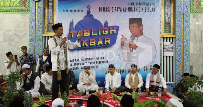 Ustadz Abdul Somad (UAS), Senin (11/11), berkunjung ke Kabupaten Kerinci dan Sungai Penuh.