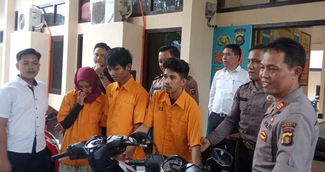 Tiga tersangka yang melakukan pencurian motor di beberapa kampus saat ini masih ditahan di Polsek Telanaipura. Dalam waktu dekat berkasnya segera dilimpahkan ke Jaksa.