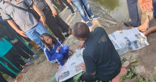 Dua dari tujuh orang yang dikabarkan tengelam di kolam buatan yang berlokasi di dekat Bandara Sultan Thaha Jambi, Sabtu (16/11), ditemukan.